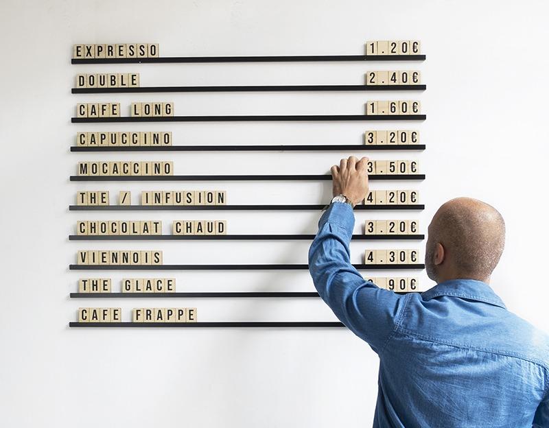 Menu Alphabet - Lettres en bois sur rails