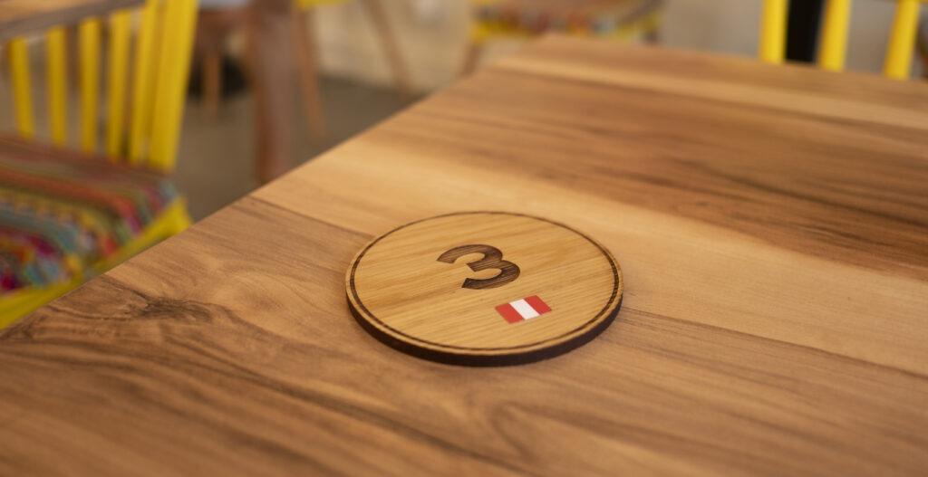 Numéro de commandes en bois